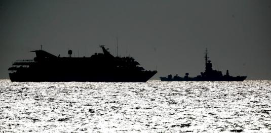 Un buque israelí escolta al Mavi Mármara