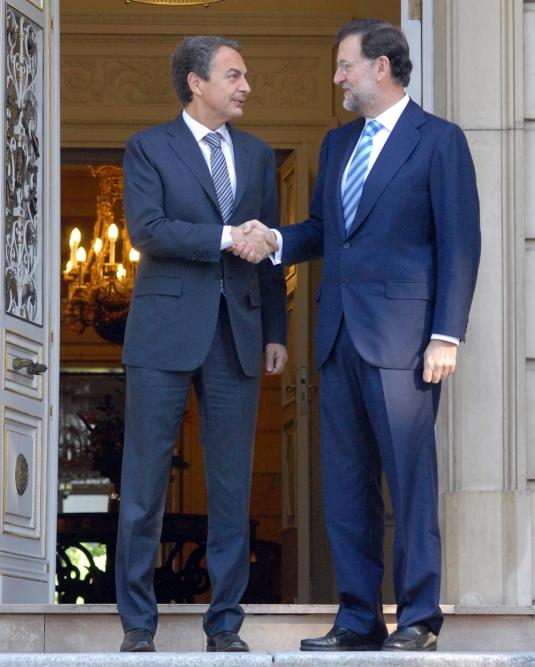 Zapatero y Rajoy en La Moncloa en 2010